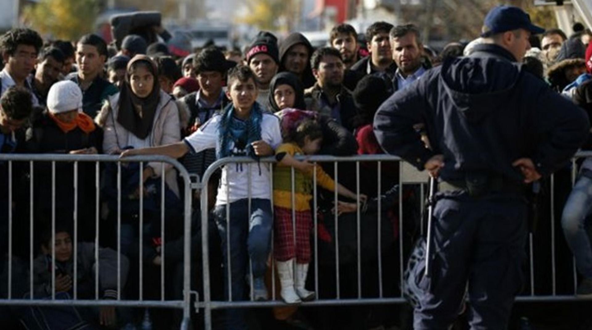 ABD'de yasa dışı göçmen aileler için süresiz gözaltı kararı