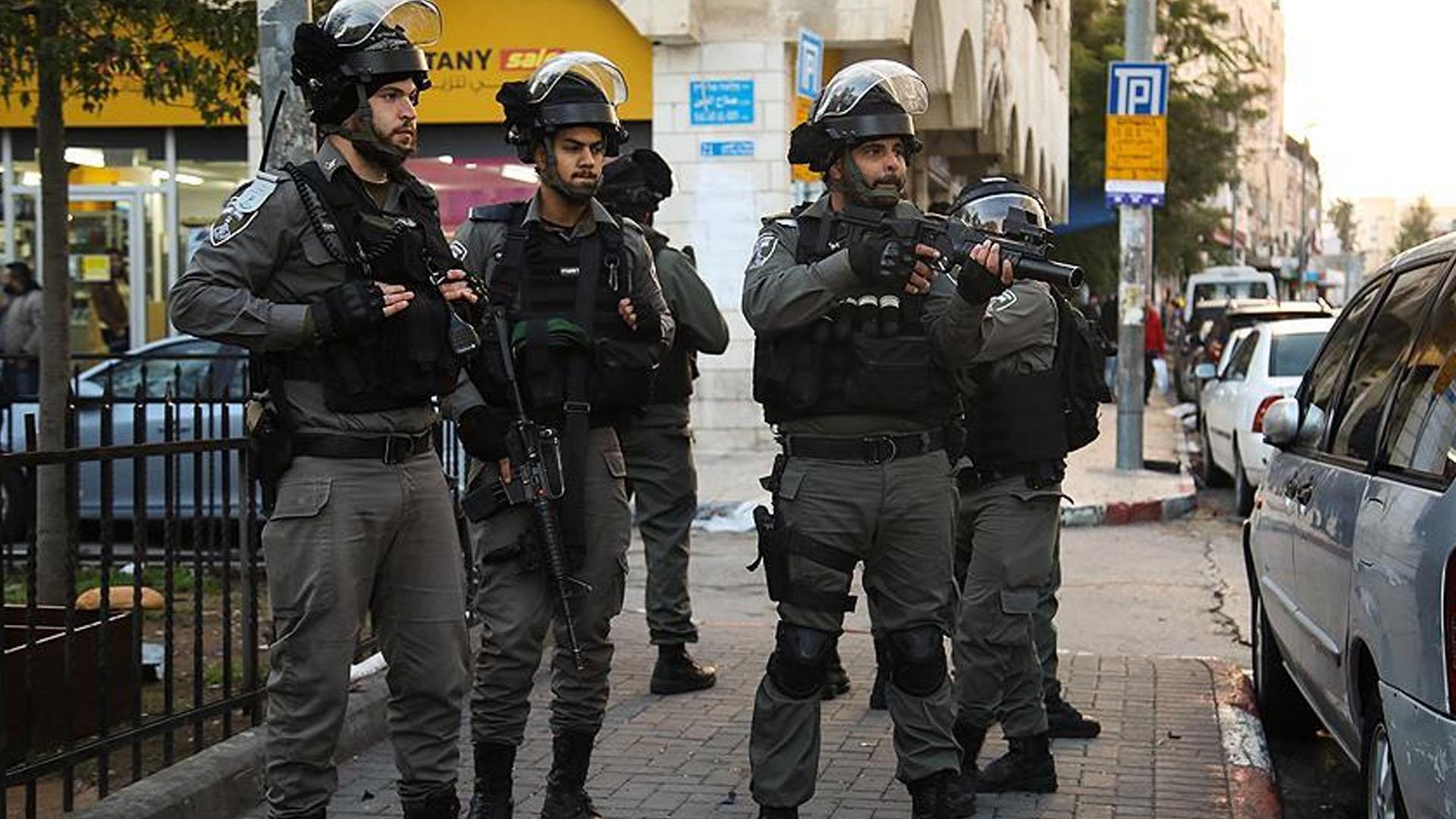 İşgal güçleri, 23 Filistinliyi gözaltına aldı