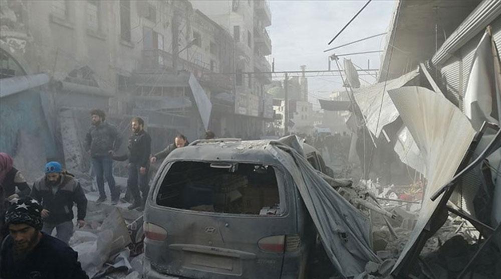 Rus savaş uçakları İdlib'i vurdu: 3 ölü