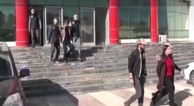 HDP'li Belediye Başkanı ve Eş Başkan tutuklandı