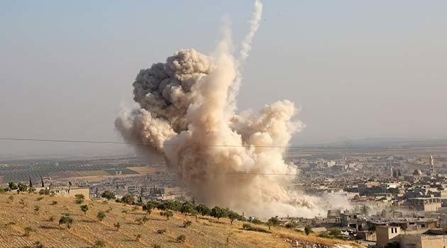 Suriye'de rejim ve Rus uçakları İdlib'i bombaladı