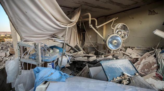 Rus savaş uçakları Halep'te 2 hastaneyi vurdu