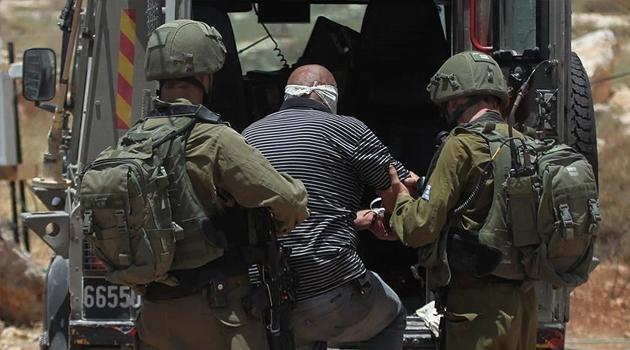 İşgalci İsrail güçleri Mescid-i Aksa'da 5 kişiyi gözaltına aldı