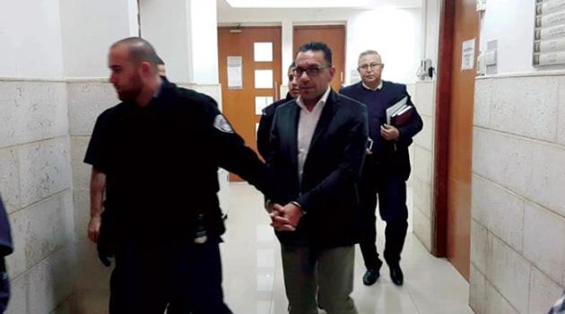 İşgalciler Kudüs Valisi Adnan Gays'ı evinde gözaltına aldı
