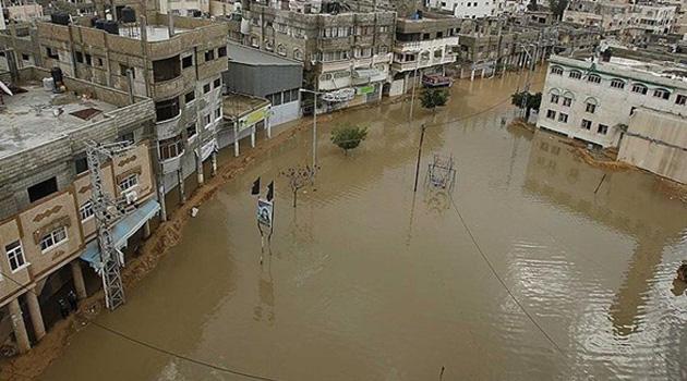 İsrail, baraj kapaklarını açtı! Gazze'de yarım milyon dolarlık hasar!