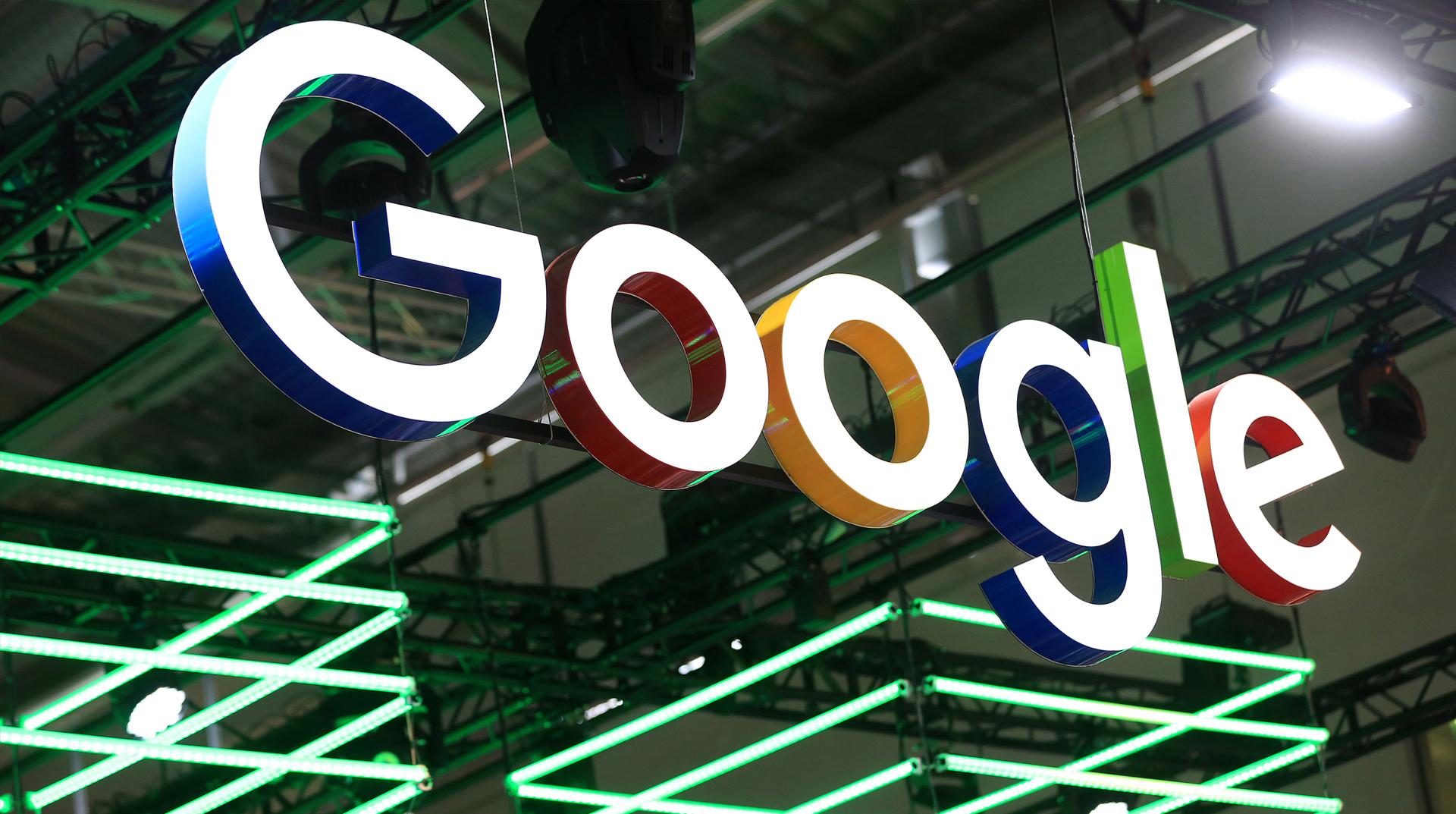 """Google akıllı hoparlörlerinin evleri """"yanlışlıkla"""" dinlediğini açıkladı"""