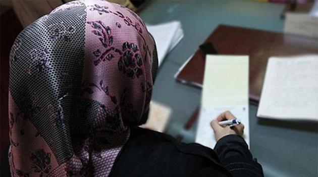 Kanada'da dini sembol yasağı ilk Müslüman öğretmenleri vurdu