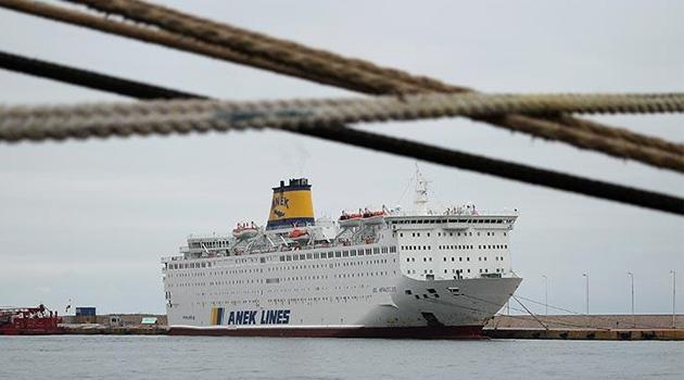 Gemideki 65 Türk'ün koronavirüs testi pozitif çıktı