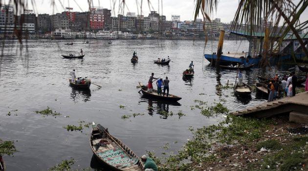 Hindistan ve Bangladeş'i vuran Amphan Kasırgası'nda ölü sayısı 84'e yükseldi