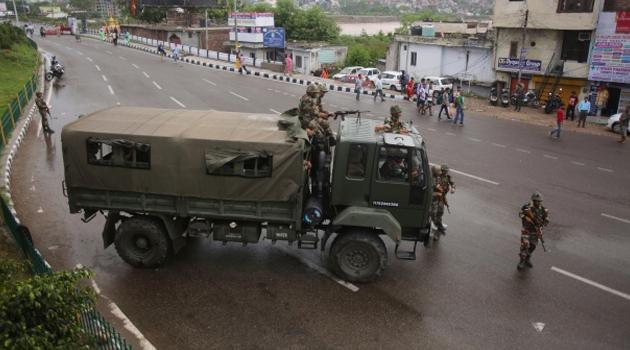 Pakistan'dan Keşmir tepkisi: Hindistan ateşle oynuyor