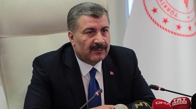 Sağlık Bakanı Koca Türkiye'deki koronavirüs vakalarıyla ilgili açıklama yapıyor