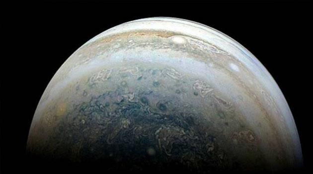 Jüpiter'in en büyük uydusu Ganymede'de kuzey kutbunun görüntüleri paylaşıldı