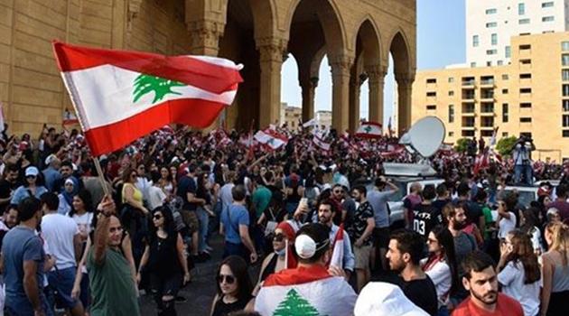 Lübnan'da yönetim karşıtı eylemler sürüyor