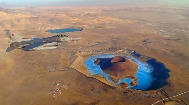 'Dünyanın nazar boncuğu' olarak bilinen Meke Gölü kurudu