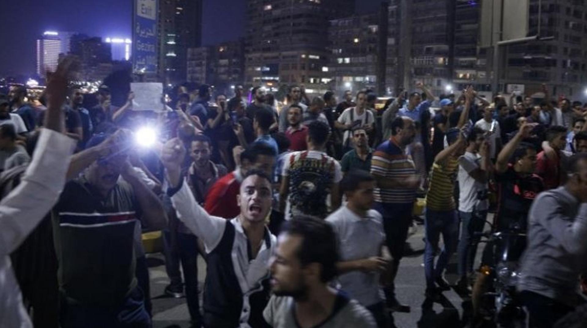 Mısır'da darbeci Sisi rejimini protesto eden 220 gösterici gözaltına alındı