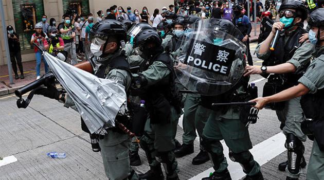 Hong Kong'da Protestolar Yeniden Başladı