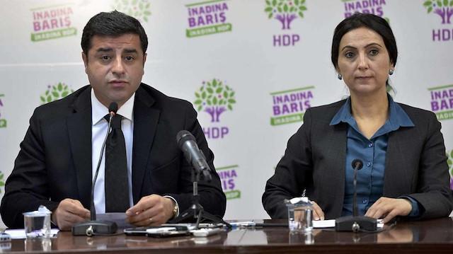 Selahattin Demirtaş ve Figen Yüksekdağ Kobani olayları sebebiyle tutuklandı