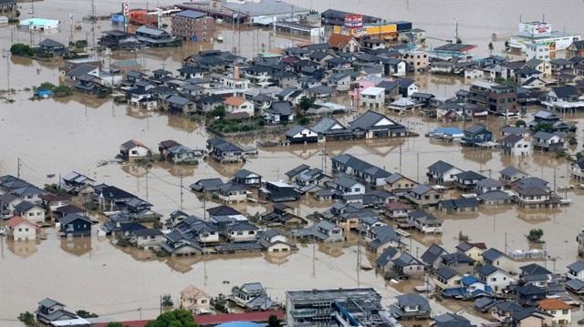 Japonya'da sel uyarısı sebebiyle binlerce kişiye tahliye emri