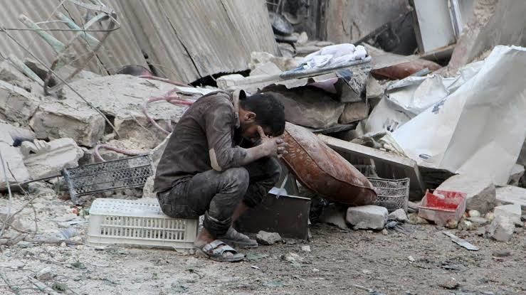 Rus savaş uçakları İdlib'e bomba yağdırdı: 12 sivil can verdi