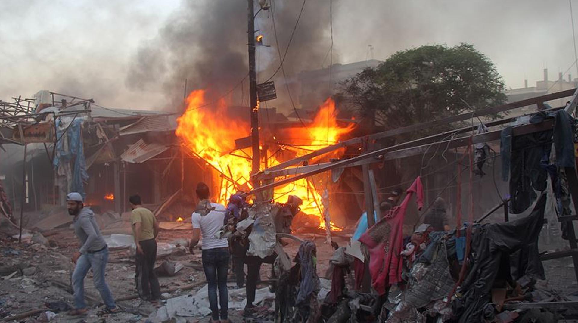 Rus savaş uçakları İdlib'te pazar yerini vurdu: 17 sivil öldü
