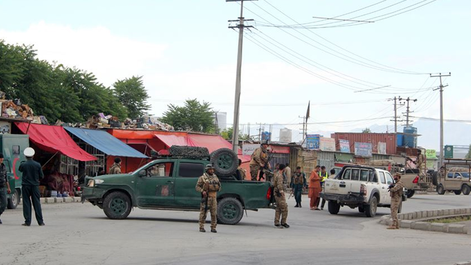 Afganistan'da camide patlama: 63 Şehit
