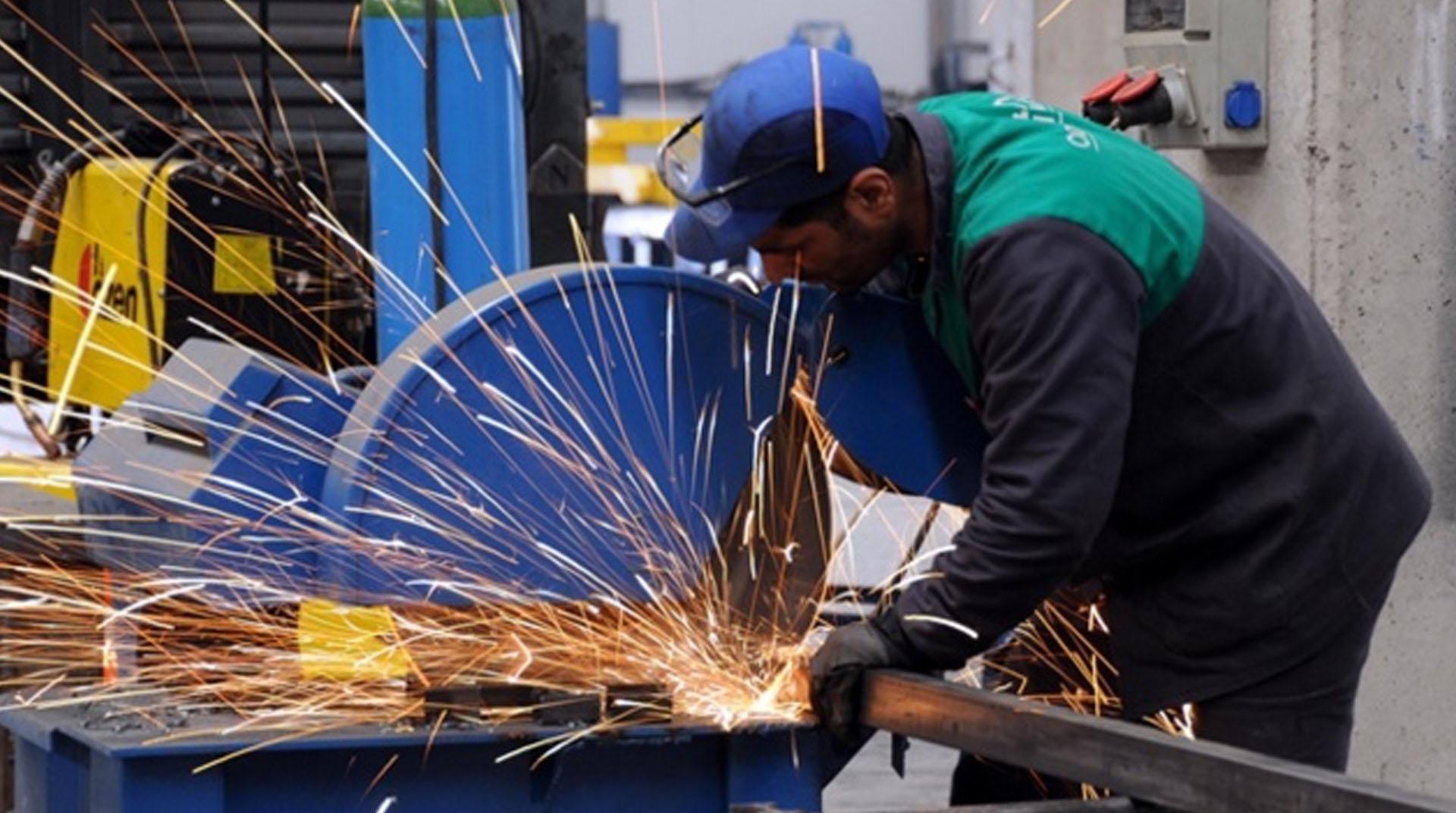 Sanayi üretimi Haziran'da yıllık bazda yüzde 3.9 azaldı