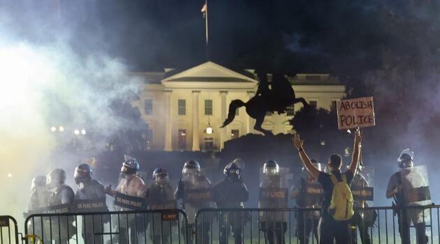 George Floyd protestoları sırasında Trump'ın 'sığınağa götürüldüğü' iddia edildi