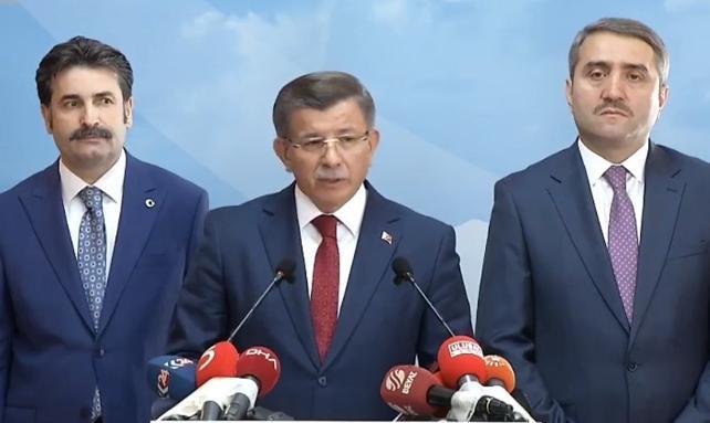 Ahmet Davutoğlu canlı yayında AK Parti'den istifa etti