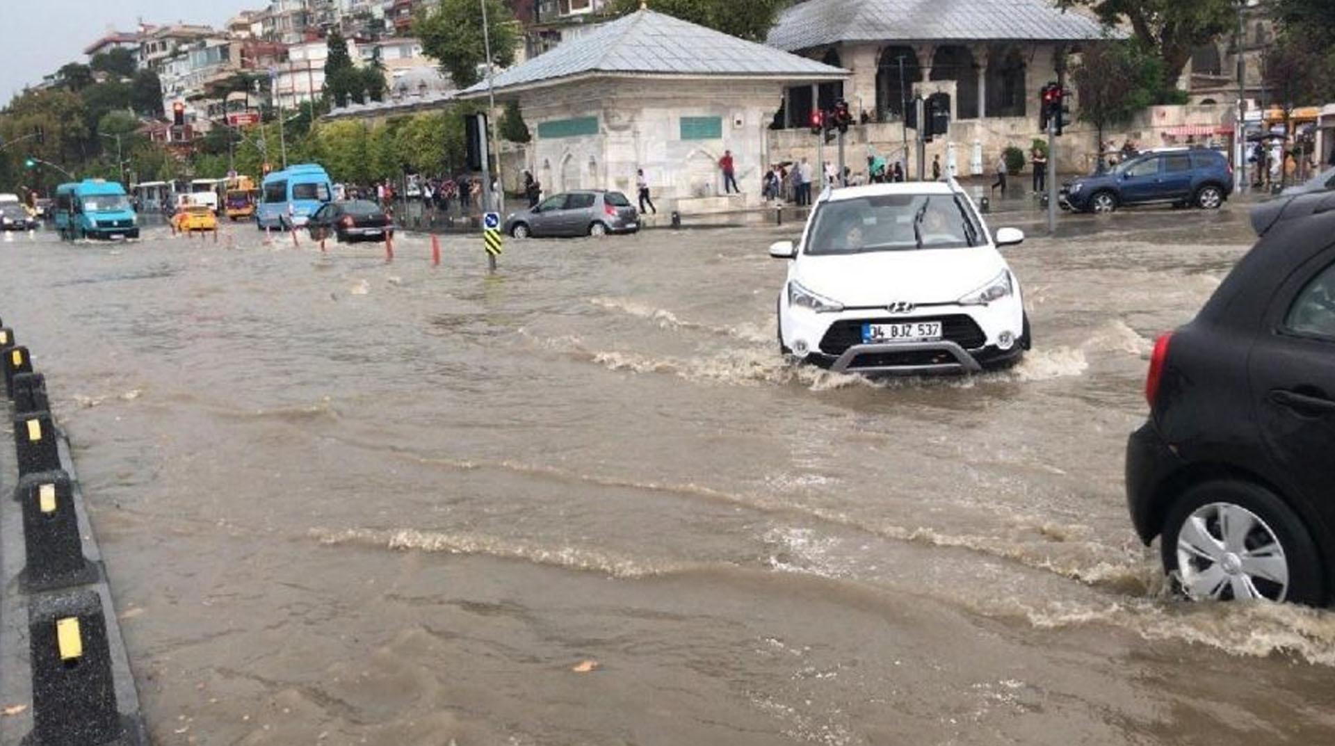 Meteoroloji'den İstanbul'a kuvvetli yağış uyarısı