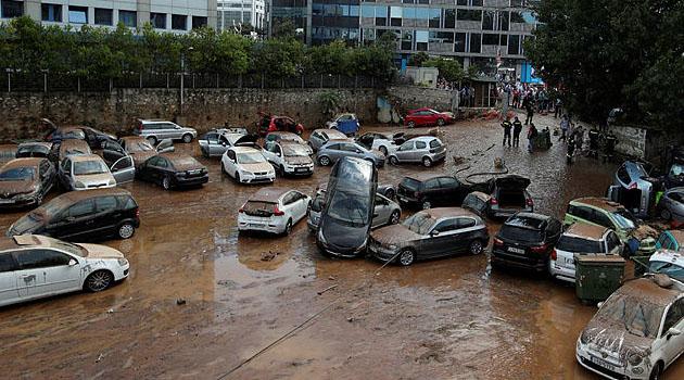 Yunanistan'daki sel felaketinde hayatını kaybedenlerin sayısı 8'e yükseldi