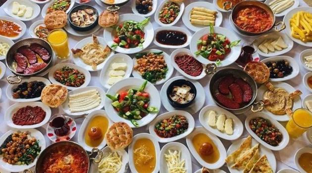 'Türkiye'de israf edilen 1,3 milyar ton gıda 821 milyon aç insanı doyurabilir'