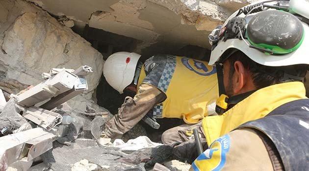 Esad rejimi ile Rusya İdlib'i vurdu, 7 sivil hayatını kaybetti