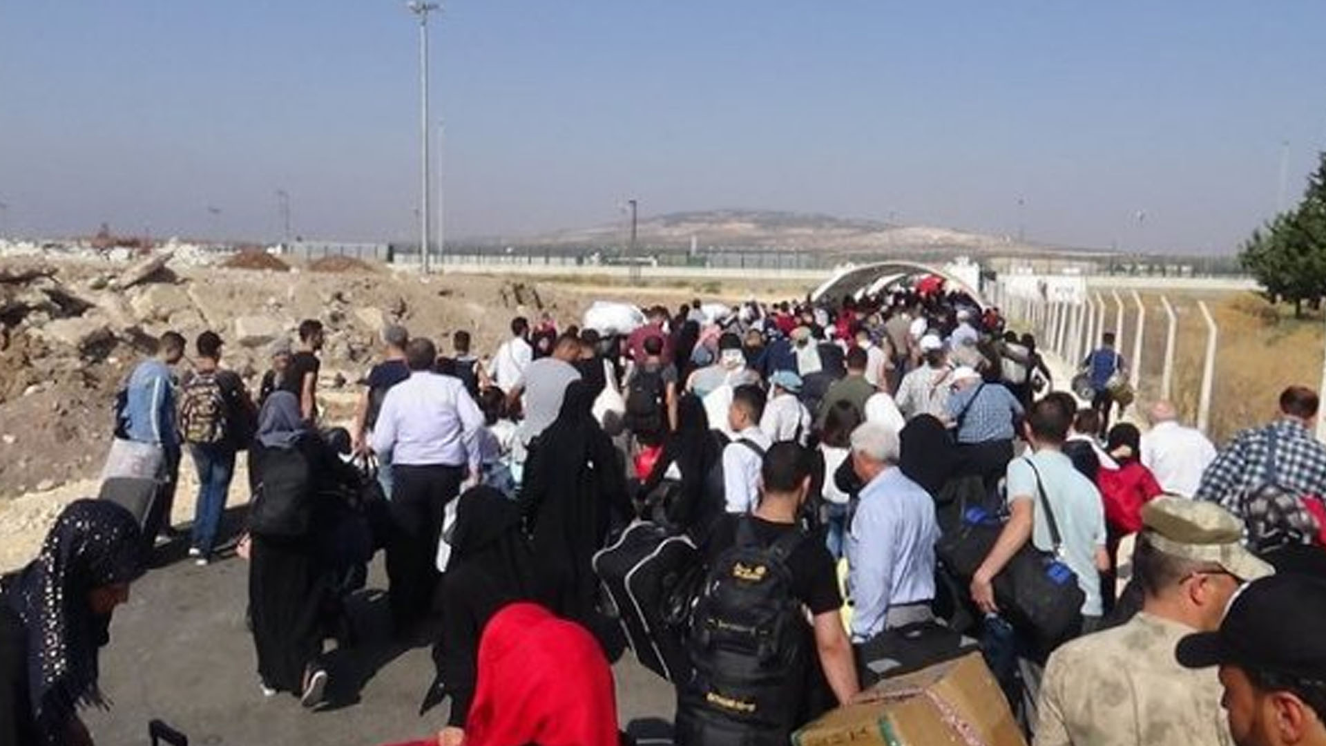 Almanya, tatil için memleketine giden Suriyelileri sınır dışı edecek