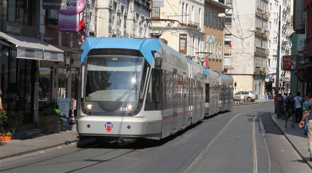 Ayasofya'nın ibadete açılış etkinliği nedeniyle durdurulan tramvay seferleri normale döndü