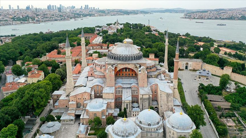 Erdoğan imzayı attı, Ayasofya ibadete açıldı