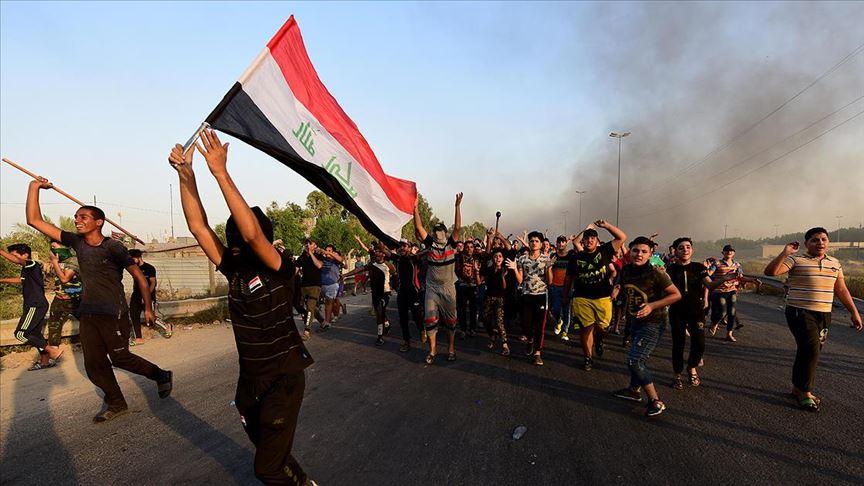 Irak'taki protestolarda en az 460 kişi hayatını kaybetti