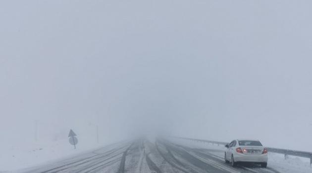 Tunceli'de kar 139 köy yolunu kapattı
