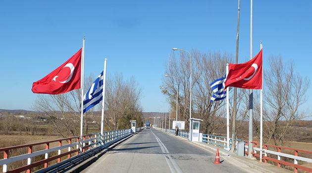 Atina'dan sınıra 200 kilometrelik bariyer