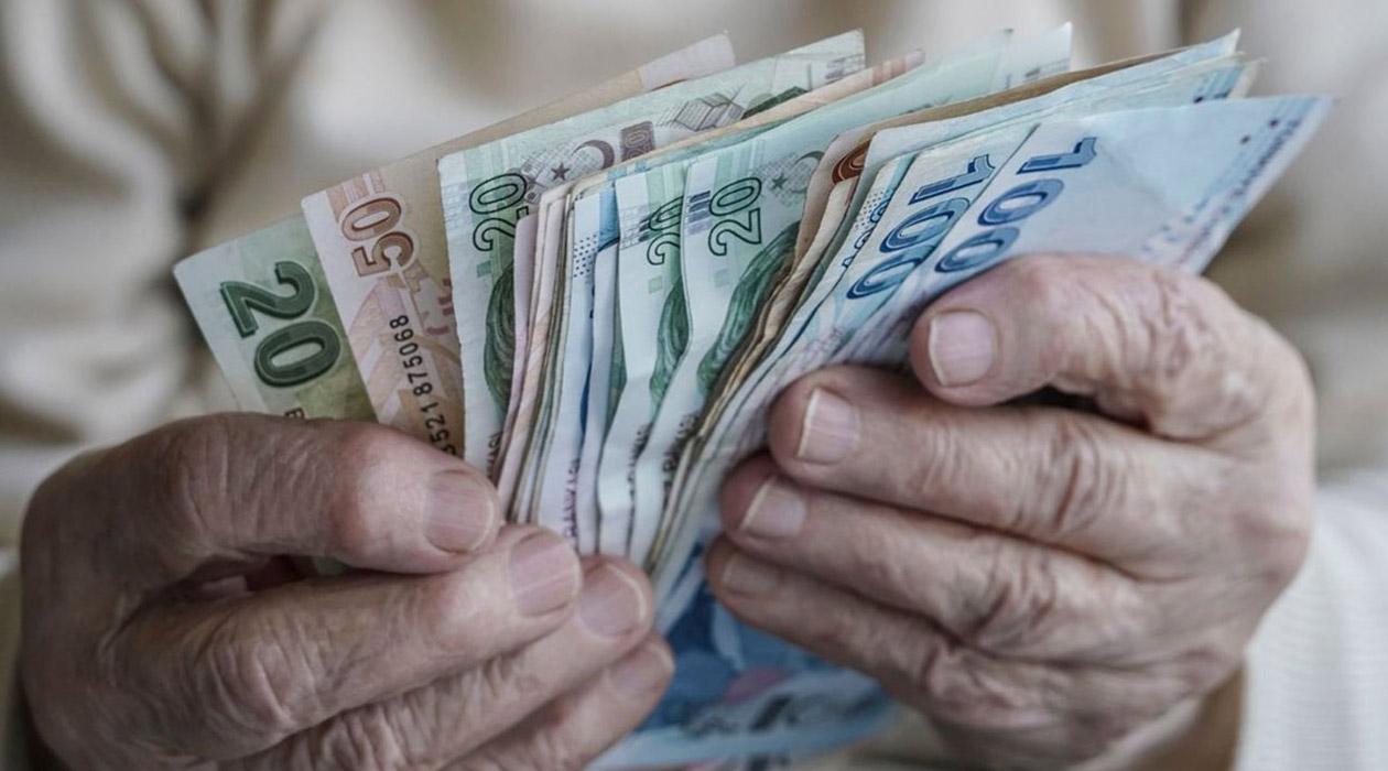 Bakan Selçuk: Emekli maaşları erken ödenecek