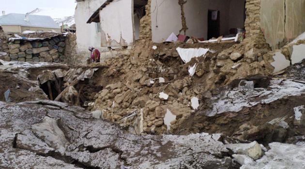 İran'da 5.9'luk deprem: Van'da 9 kişi hayatını kaybetti, 37 yaralı var