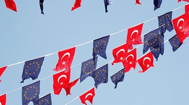 AB'den Türkiye'ye vize kısıtlaması: Gri ve yeşil pasaportlulara izin şartı getirildi
