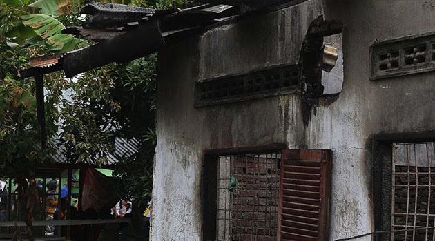 Endonezya'daki yangında bir gecede 382 aile evsiz kaldı