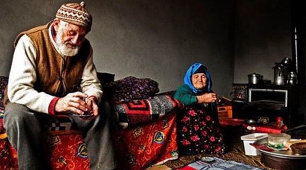 Furkan Gönüllülerinden 'Yaşlılar Baştacımızdır' Mesajı