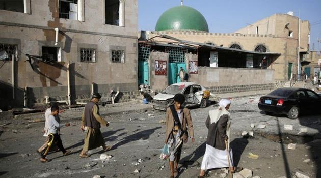 Yemen'de askeri kampa saldırı: En az 45 ölü