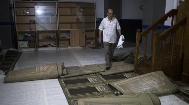 Yunanistan'da Müslümanlara ait Endülüs mescidi kapatıldı