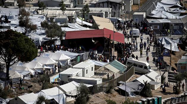 Yunanistan'da ilk defa bir göçmen kampı karantinaya alındı