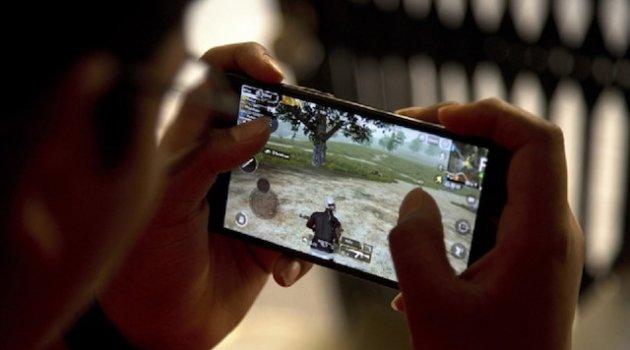 6 saat online oyun oynayan çocuk kalp krizinden öldü