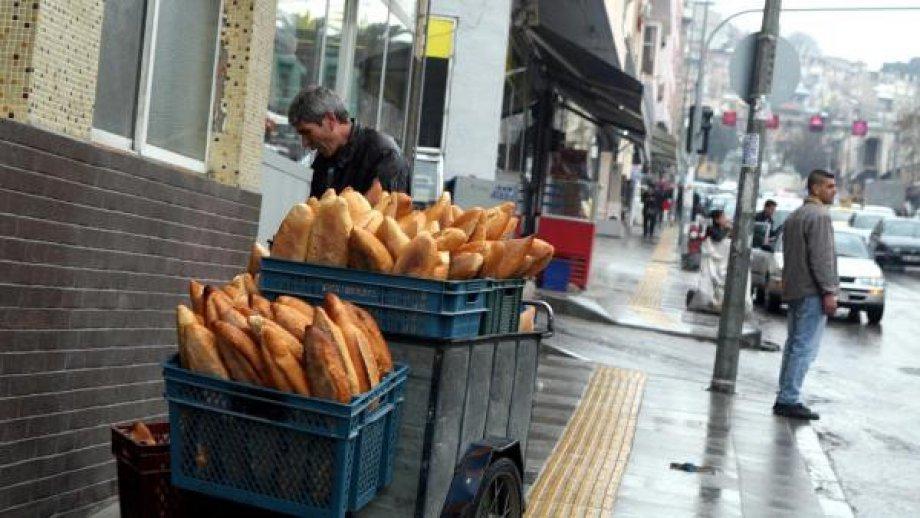 Hijyen Şartlarından Uzak Ekmek Dağıtılıyor