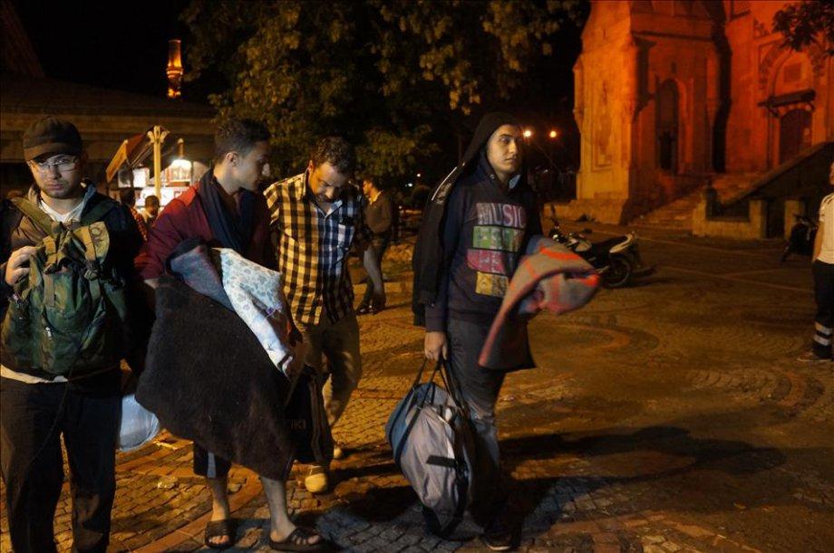 Edirne'deki sığınmacıların bir kısmı polis tarafından ikna edildi