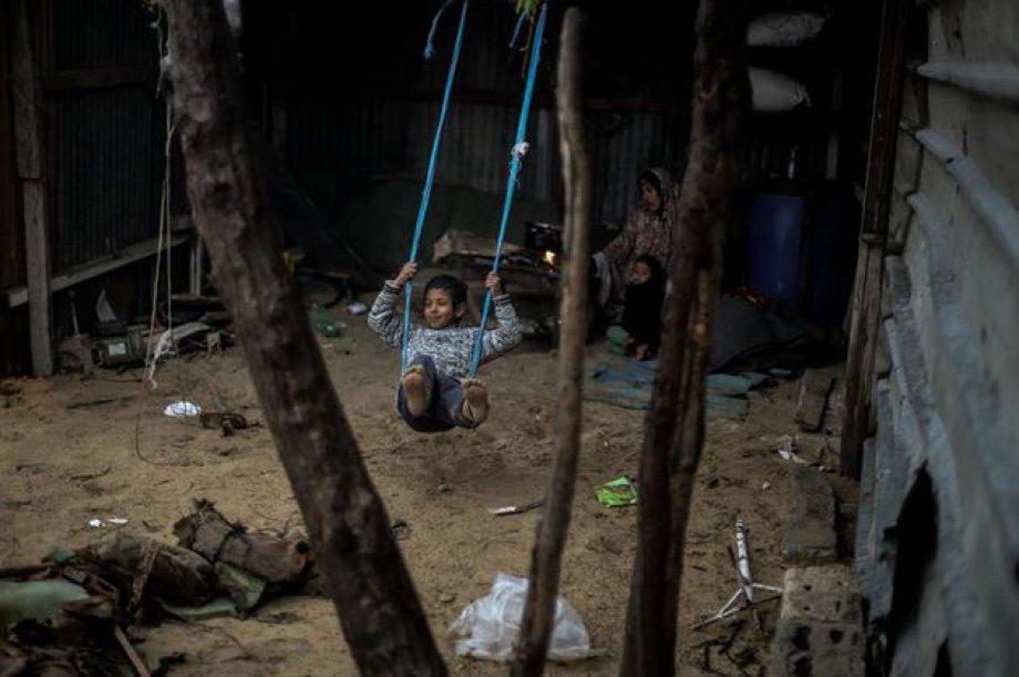 Siyonist İsrail saldırılarının izleri hale taze